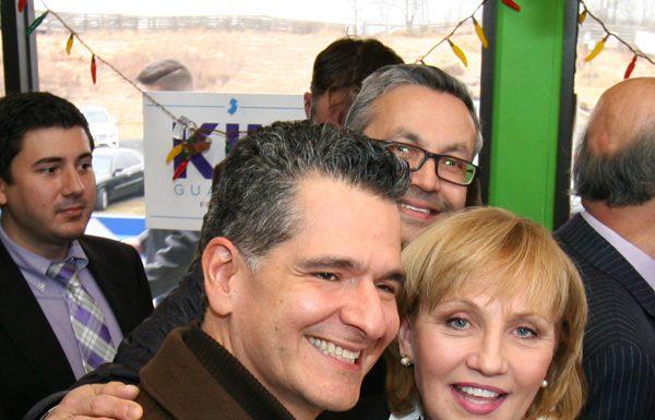 Carlos Medina and Lt. Gov. Kim Guadagno at La Playa restaurant in Keansburg, NJ.