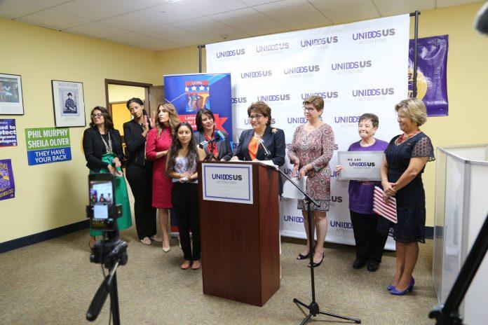 Latinas Unidas supporting re-election of United Senator Bob Menendez.