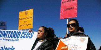 Activistas de CEUS, una organización que ayuda a los inmigrantes menores de edad.